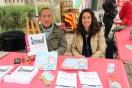 Carles Joan i Raquel Monfort, a la parada d'autors de km 0 // Jose Polo