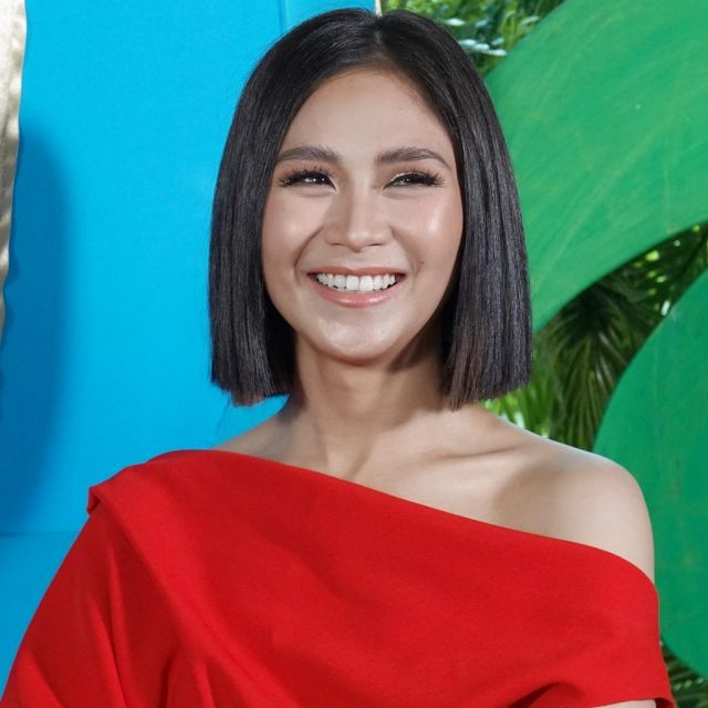 look: sarah geronimo just cut her hair shorter and we're