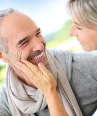 como conquistar a un hombre soltero de 50 años