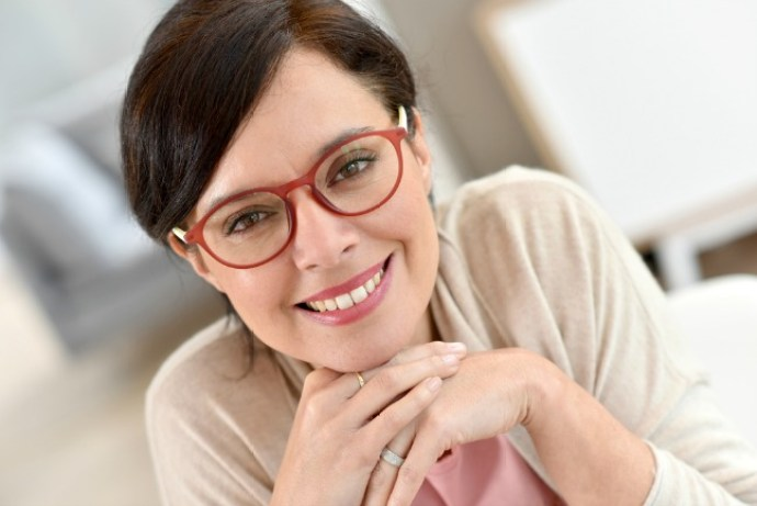 60a588d7a782 4 Tips to get used to wearing progressive lenses– Viva Fifty!