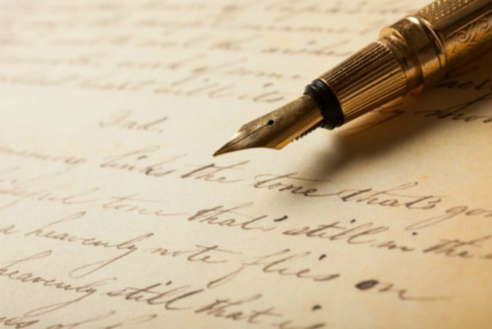 Should we all go back to handwriting all our correspondence? Maybe not. But there are certain messages that should still be delivered in longhand.