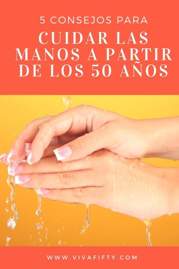 Cuidar las manos es importante siempre, pero mas aún a partir de los cincuenta. Te damos cinco tips de #belleza para mantenerlas bonitas y suaves.