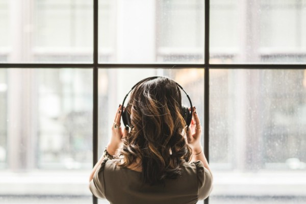 How noise canceling headphones can help you focus