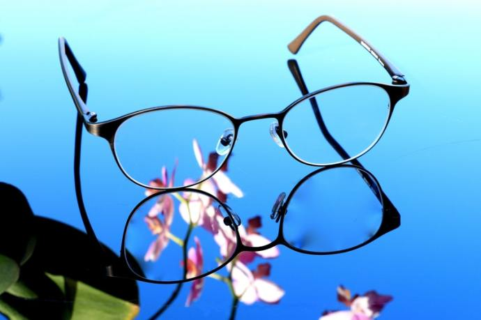 Progressive lenses are a great invention, but not everybody adapts to them. Here are some alternatives you may want to consider.
