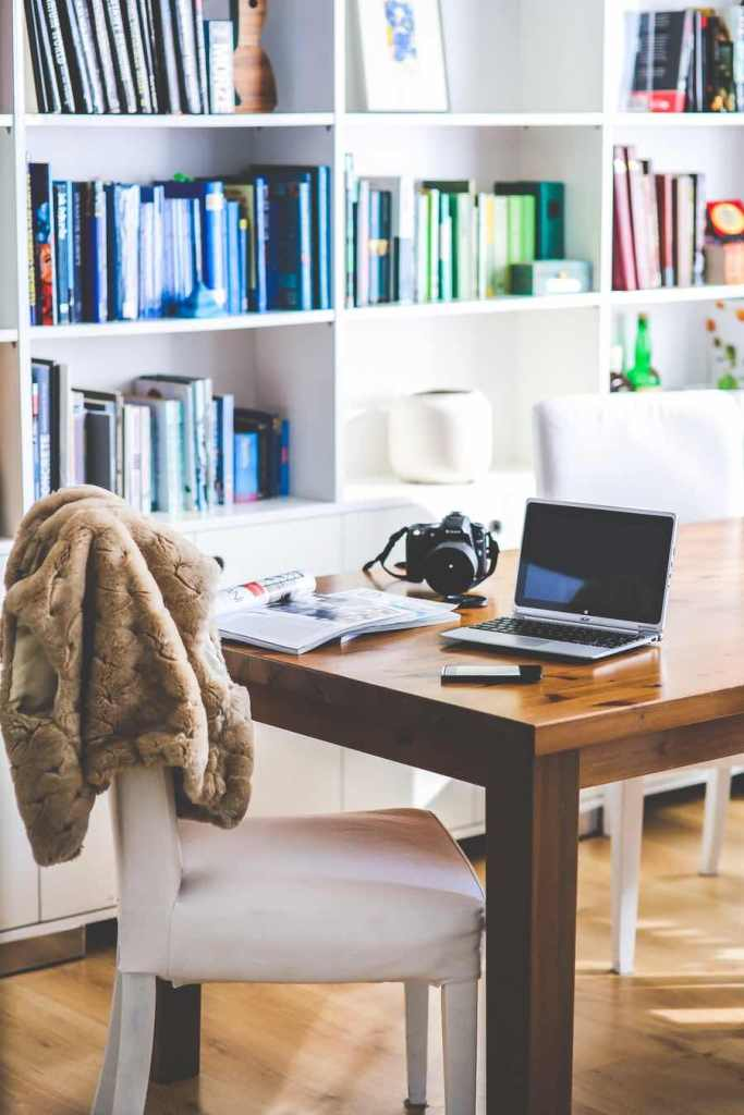 Working from home can be efficient and easy, when you have the right tools and apps on hand. Here are some that this freelancer uses on a regular basis.