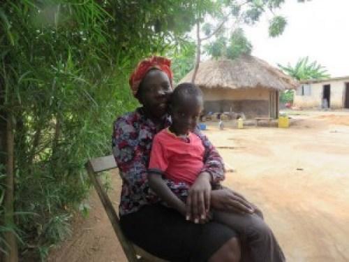 Prix de la jeune entreprise africaine Avec AEST, son entreprise sociale Ougandaise Betty Ikalany propose des briquettes à base