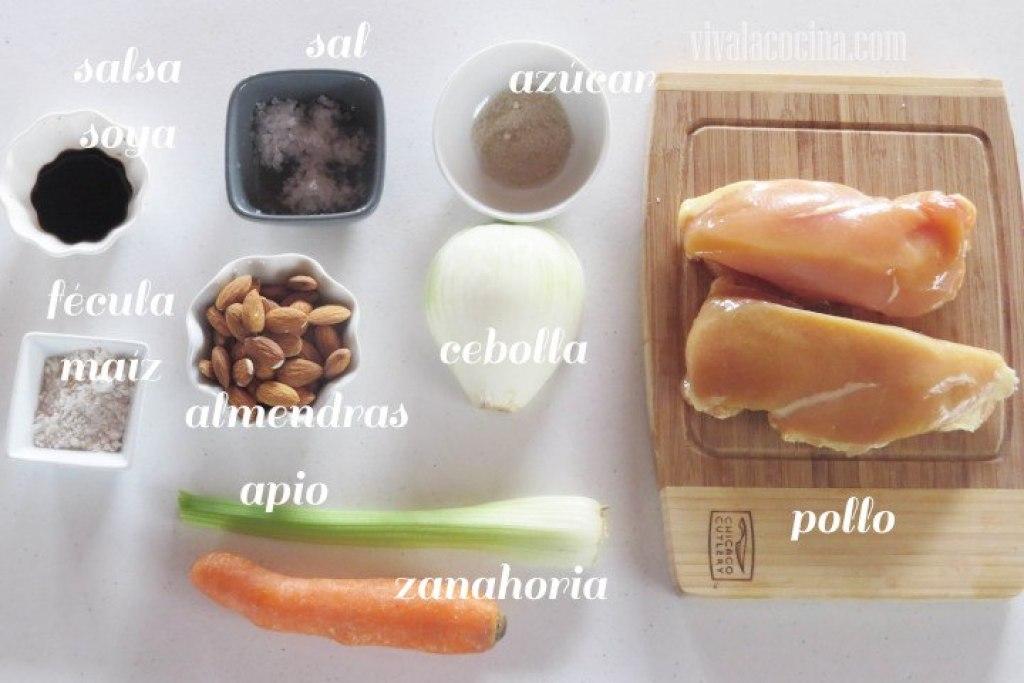 Ingredientes del pollo con almendras