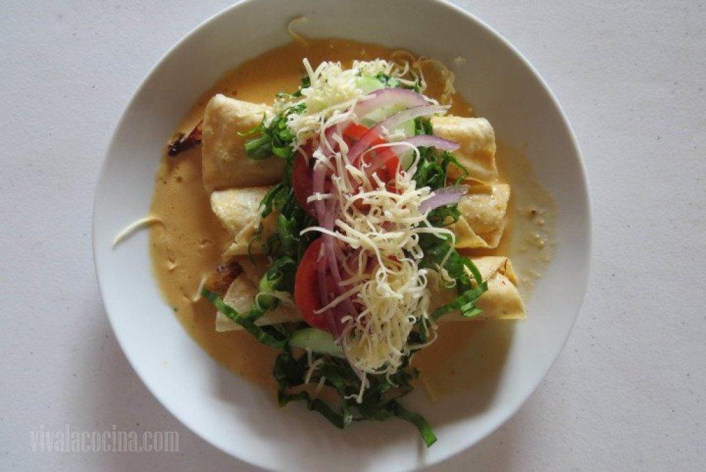 Servir con Verduras para el acompañamiento de los tacos