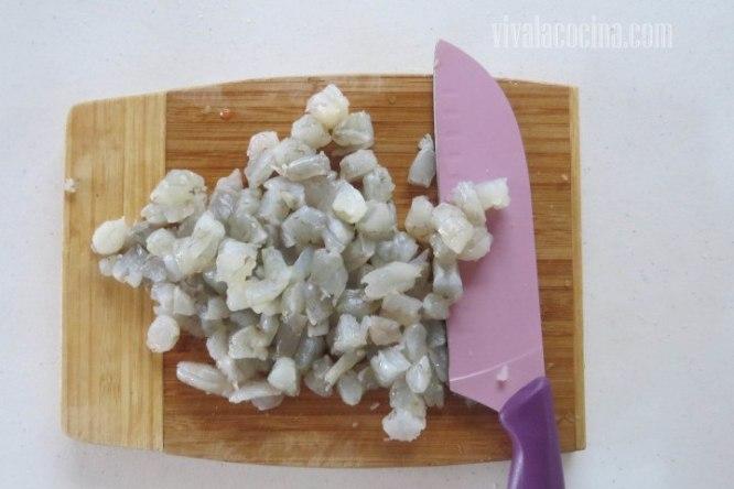 Picar Camaron para el relleno de las empanadas