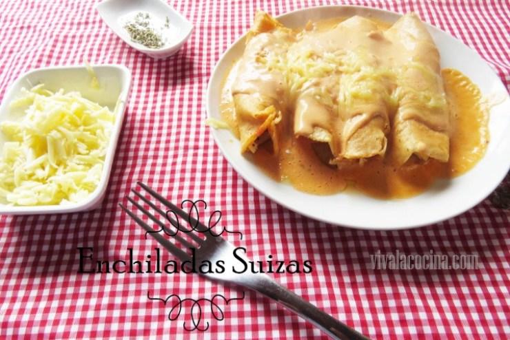 Enchiladas Suizas con Salsa Cremosa de Tomate