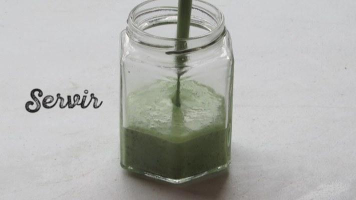 Cómo servir aderezo de cilantro