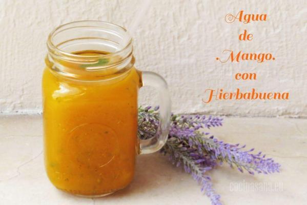 Agua de Mango y Hierbabuena