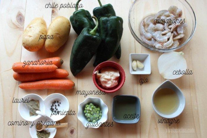 ingredientes para preparar chiles rellenos de ensalada de camarones