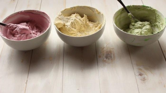 crema para hacer flores decorativas de la rosca de yogur