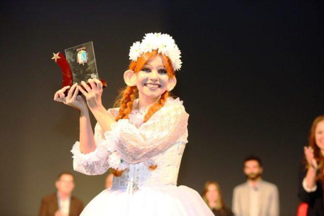 estefania-vera-baver-els-antigons-premio-estrella