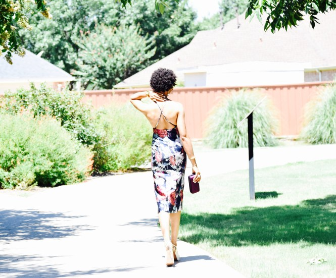 Floral Print Midi Dress + front slit Posted By Vivellefashion