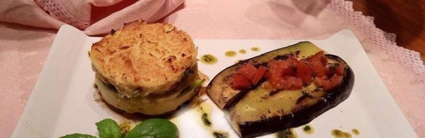 Coroa de puré e legumes com beringela assada