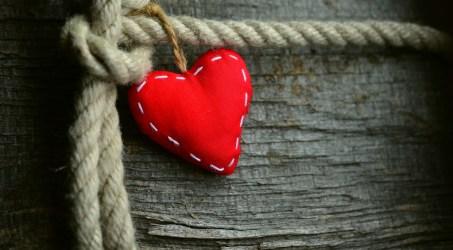 Um splash de côr em forma de coração.