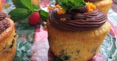Tertúlias com sabor: Cupcakes de laranja e frutos vermelhos