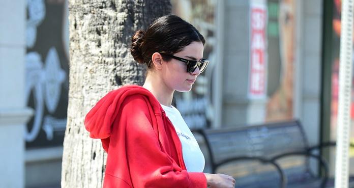 Selena Gomez dazzles with leggings blacks in Los Angeles