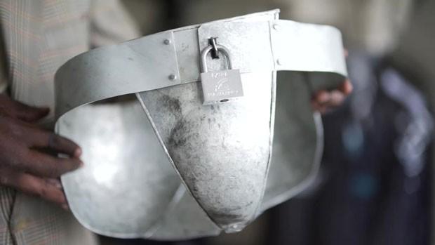 Quênia - cueca de aço