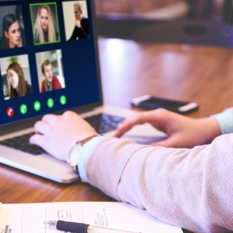 Cómo-verse-bien-en-las-videoconferencias-en-menos-de-5-segundos 18/05/20