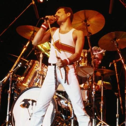 Queen-transmitirá-tributo-a-Freddy-Mercury-en-apoyo-a-la-OMS-y-la-lucha-contra-el-coronavirus 14/05/20