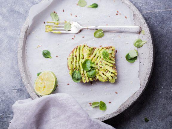thực-phẩm-để-tăng-mông-bơ-bánh mì nướng-28-May-2020