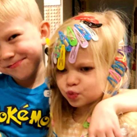 Pequeño-de-6-años-salva-la-vida-de-su-hermana-y-se-convierte-en-superhéroe 16/07/20