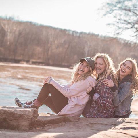 Salir de viaje con tus amigas es bueno para tu salud segun un estudio