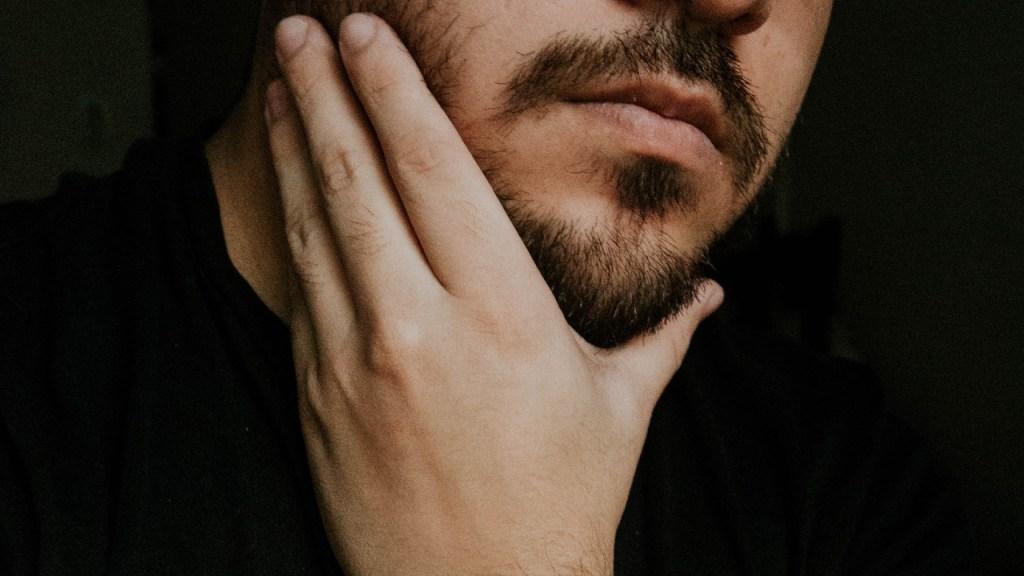 ¿Cómo hacer crecer la barba con remedios naturales?