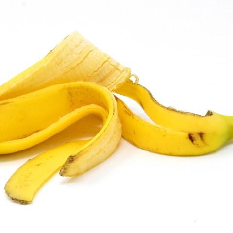 10 curiosos pero funcionales usos de la cascara de plátano