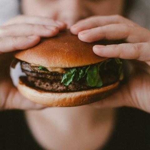 hábitos alimenticios hamburguesa