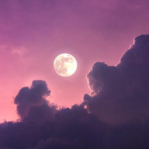 Luna llena en Aries: Todo lo que trae para ti y tus relaciones