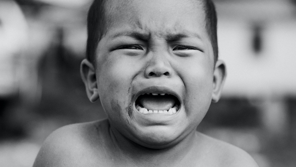 enseñar a los hijos a través de los golps puede tener consecuencias negativas