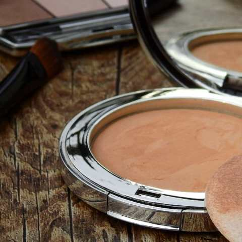 esponjas de maquillaje guardan bacterias