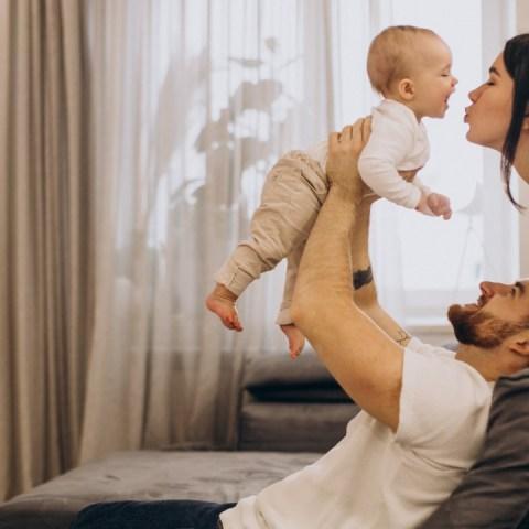 primera palabra bebé papá mamá vínculo