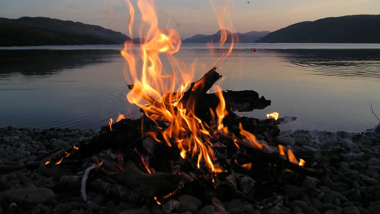 cuales son signos zodiacales elemento fuego