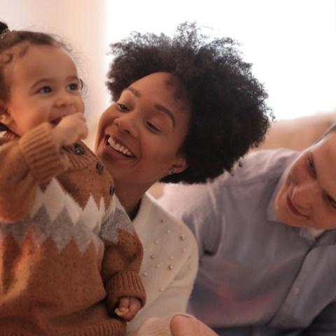 Juegos para estimular el balbuceo de tu bebé