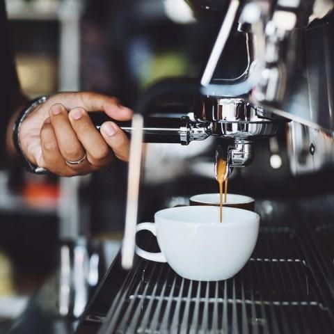 café modificado sin cafeína cómo es
