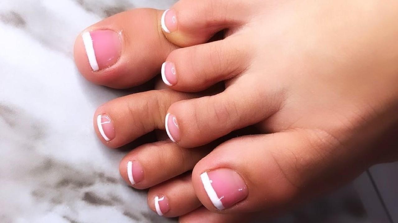 inspiración para decorar las uñas de los pies