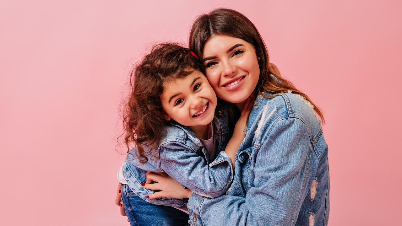 padres sobreprotectores crian hijos debiles psicologia