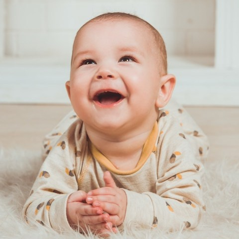risa de tu bebé significado