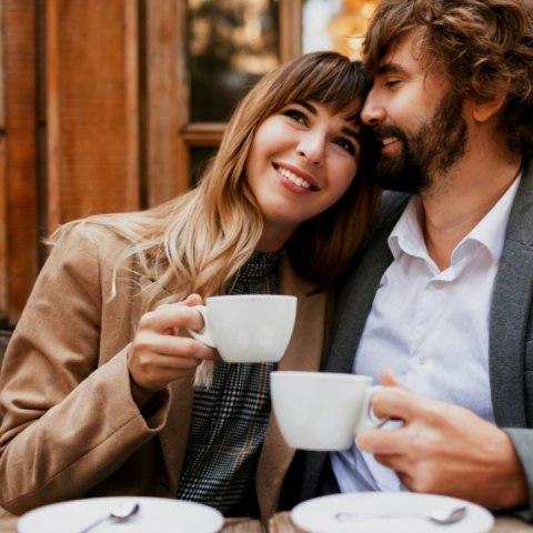 por que hombre debe pagar la cuenta primeras citas mujer