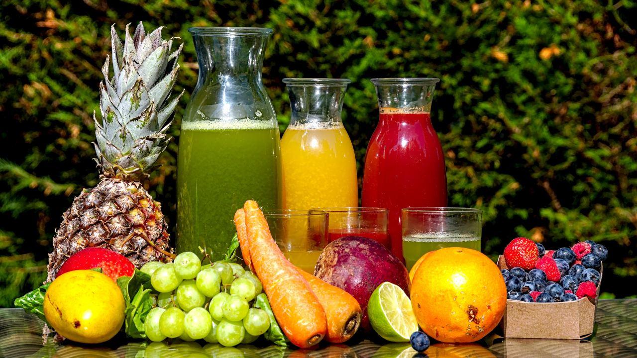 Jugos naturales para combatir la gastritis