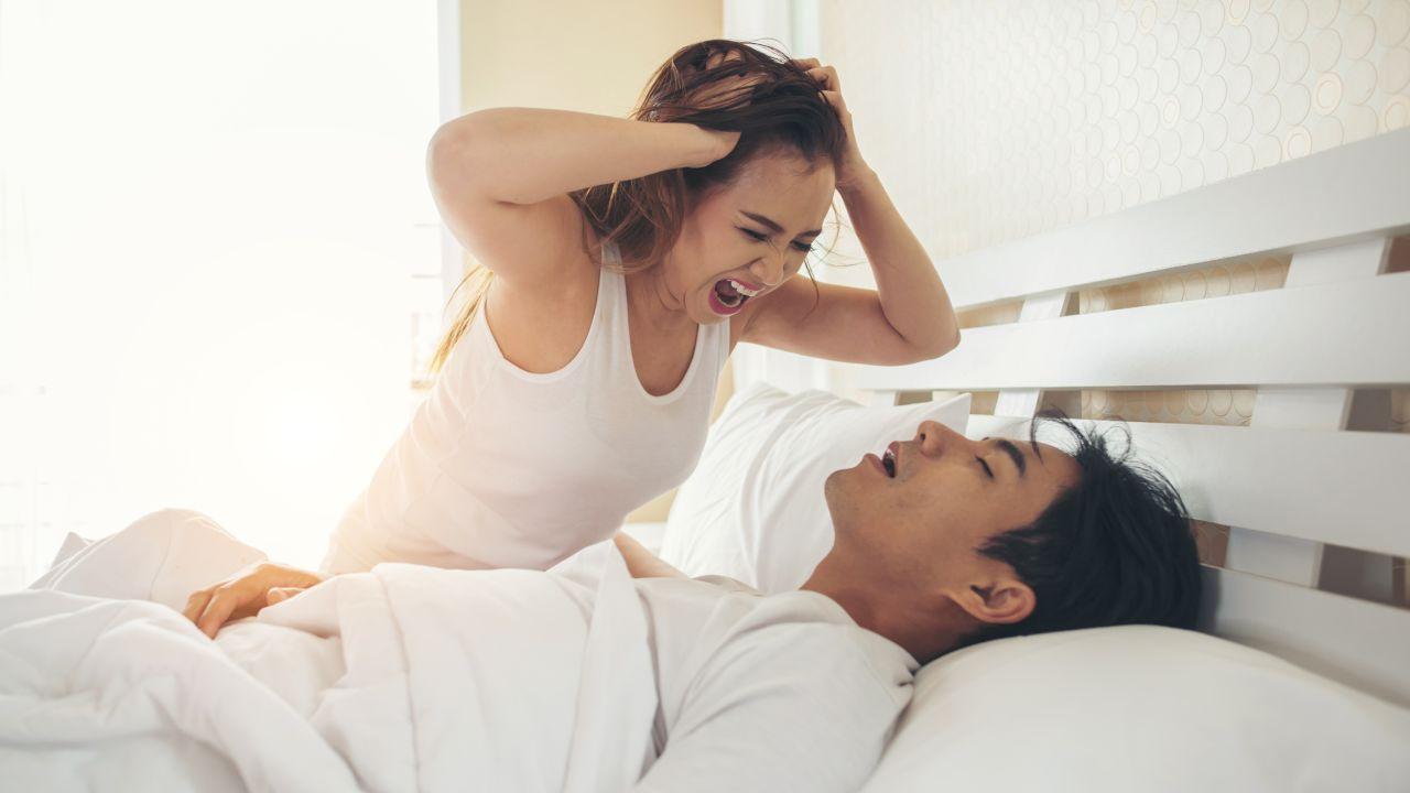 Cambia de hábitos para dejar de roncar
