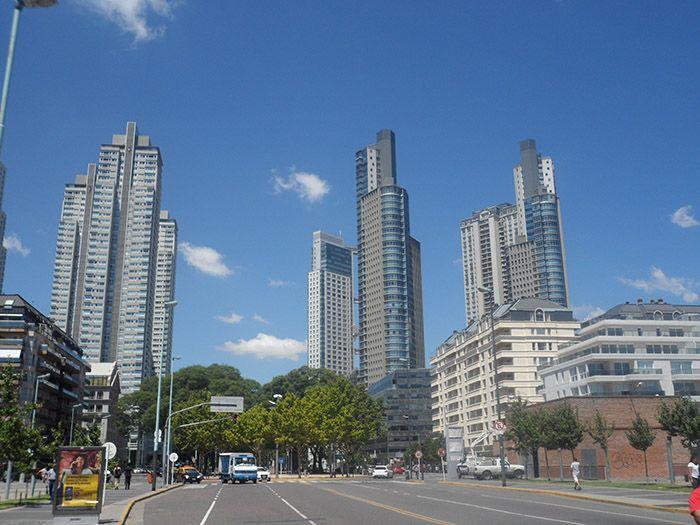 Puerto Madero, modernidad, lujo, negocio... ¡se huele en el ambiente!