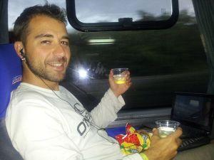 Martini en el bus camino a Uruguay