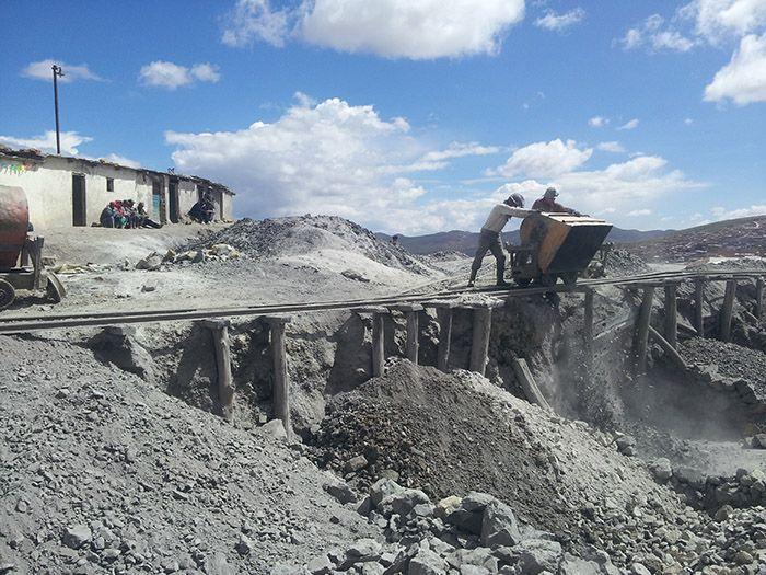 Tareas habituales en las minas de Potosí