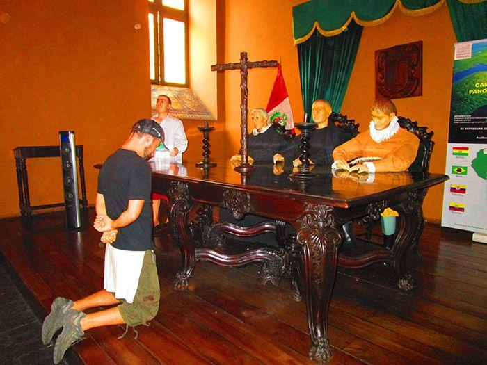 La visita al Museo de la Inquisición de Lima es gratis... pero si blasfemas te puede pasar esto.